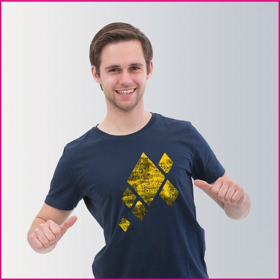 """Produktfoto Männer T-Shirt mit dem Motiv """"Musik in mir"""" von Heribert Moises"""