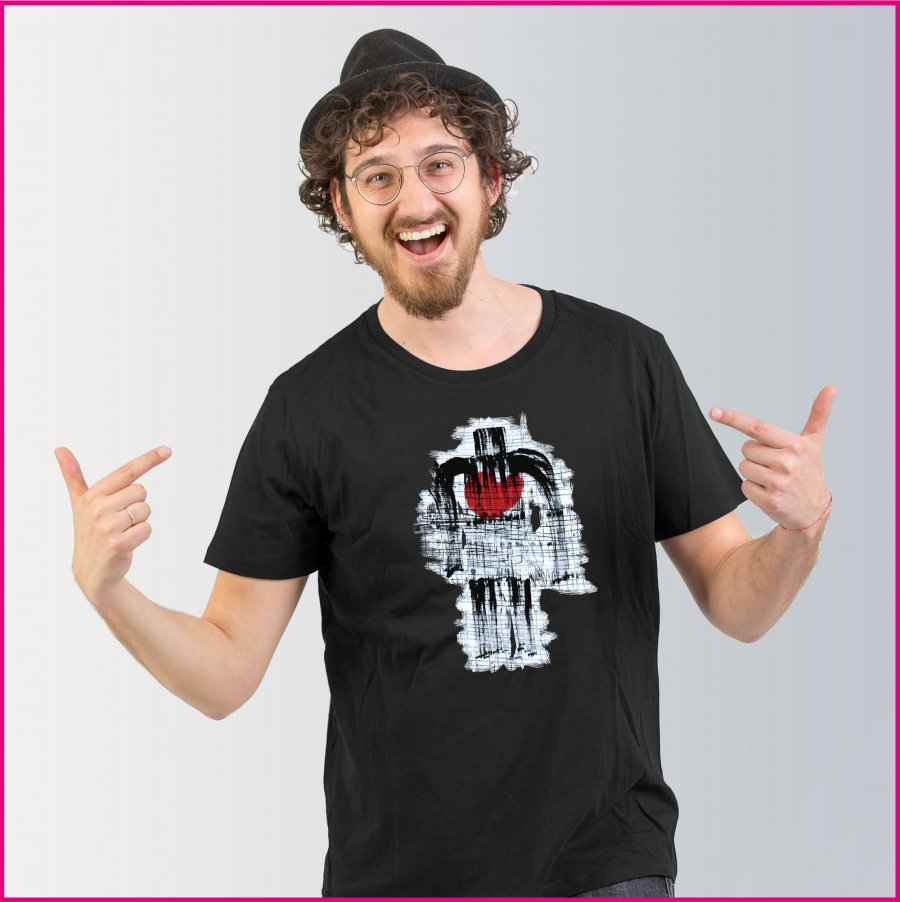 Produktfoto Männer T-Shirt mit dem Motiv Man with heart von Heinz Etzelt
