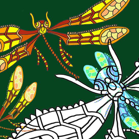 """Viele bunte, große und kleine Libellen, die fröhlich herumtanzen. In der Mitte befindet sich eine große weiße Libelle. Es gibt rechts und links zwei blau-grüne kleinere Libellen. Oben und unten sind die Flugkünstler gelb-orange. Der Spruch darauf heißt """"Nur wer vom Fliegen träumt, dem wachsen Flügel""""."""