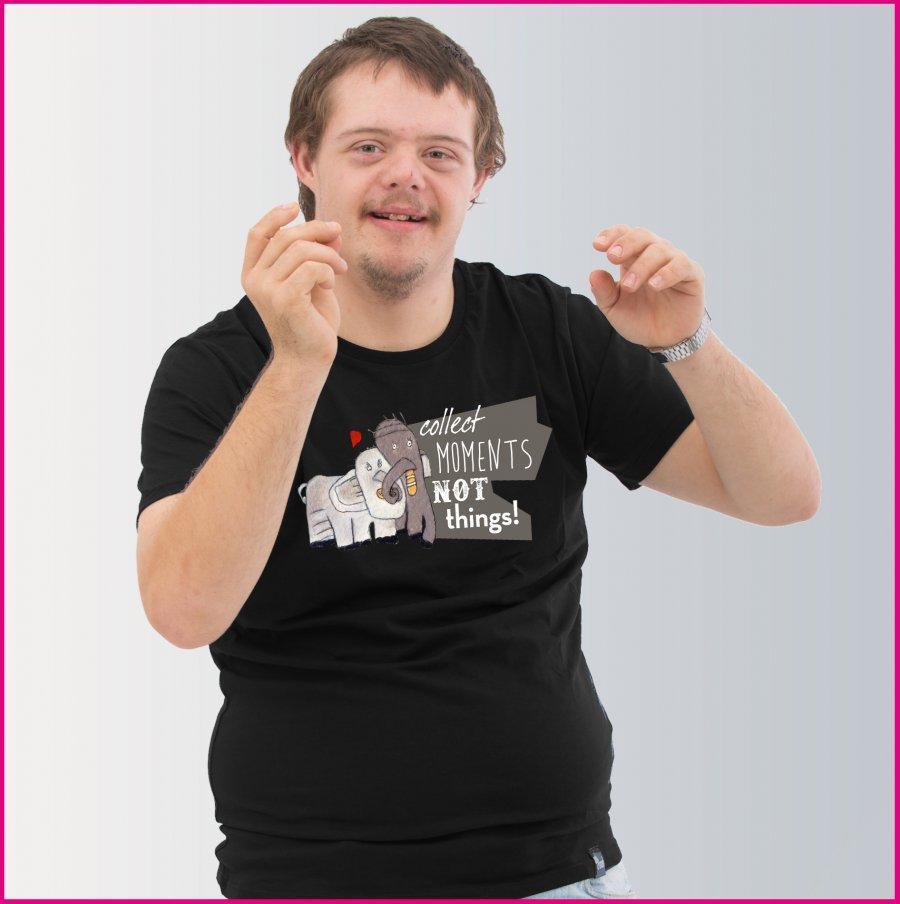 Produktfoto Männer T-Shirt mit dem Motiv Elefantenliebe von Albert Masser