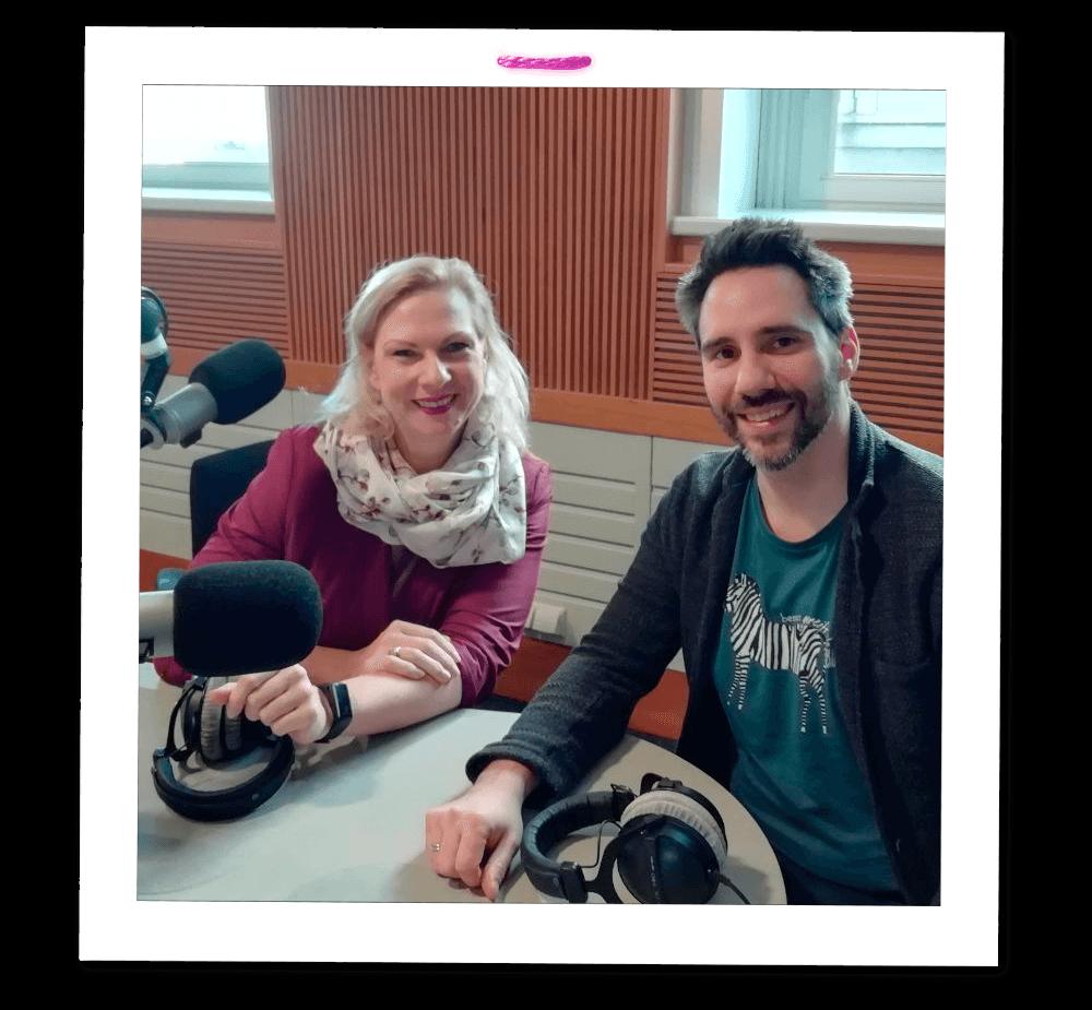 Helmuth Stöbder im Radio Wien Studio mit Ingrid Rehusch
