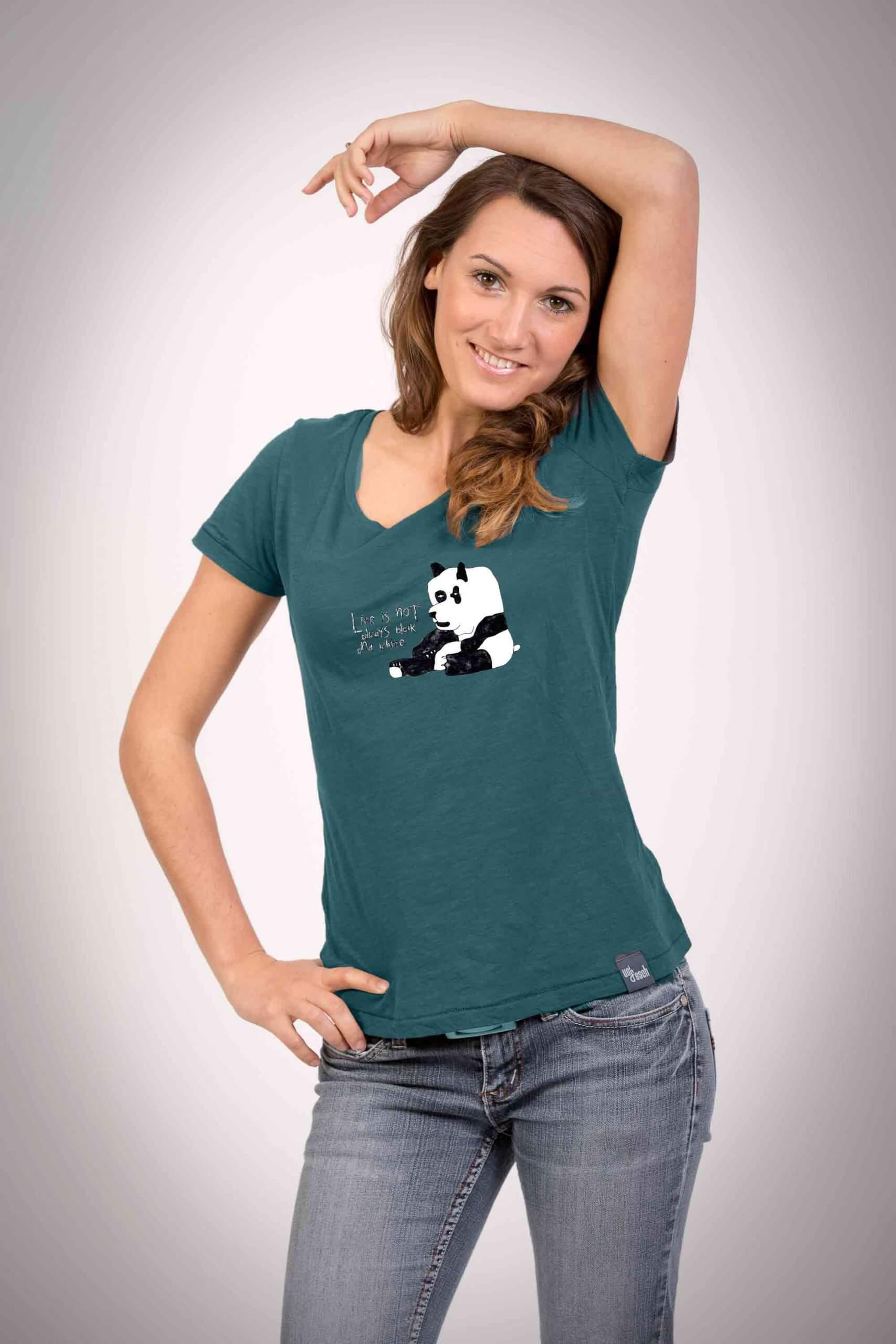 T-Shirt für Frauen in einem dunklen Türkis-Ton mit dem Motiv der kleine Panda
