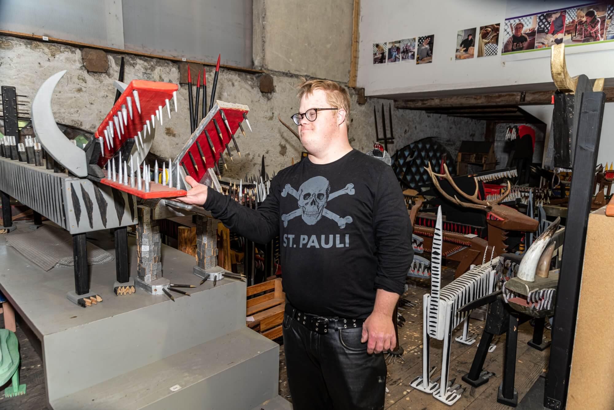 Künstler Wolfgeorg in der Künstlerwerkstätte
