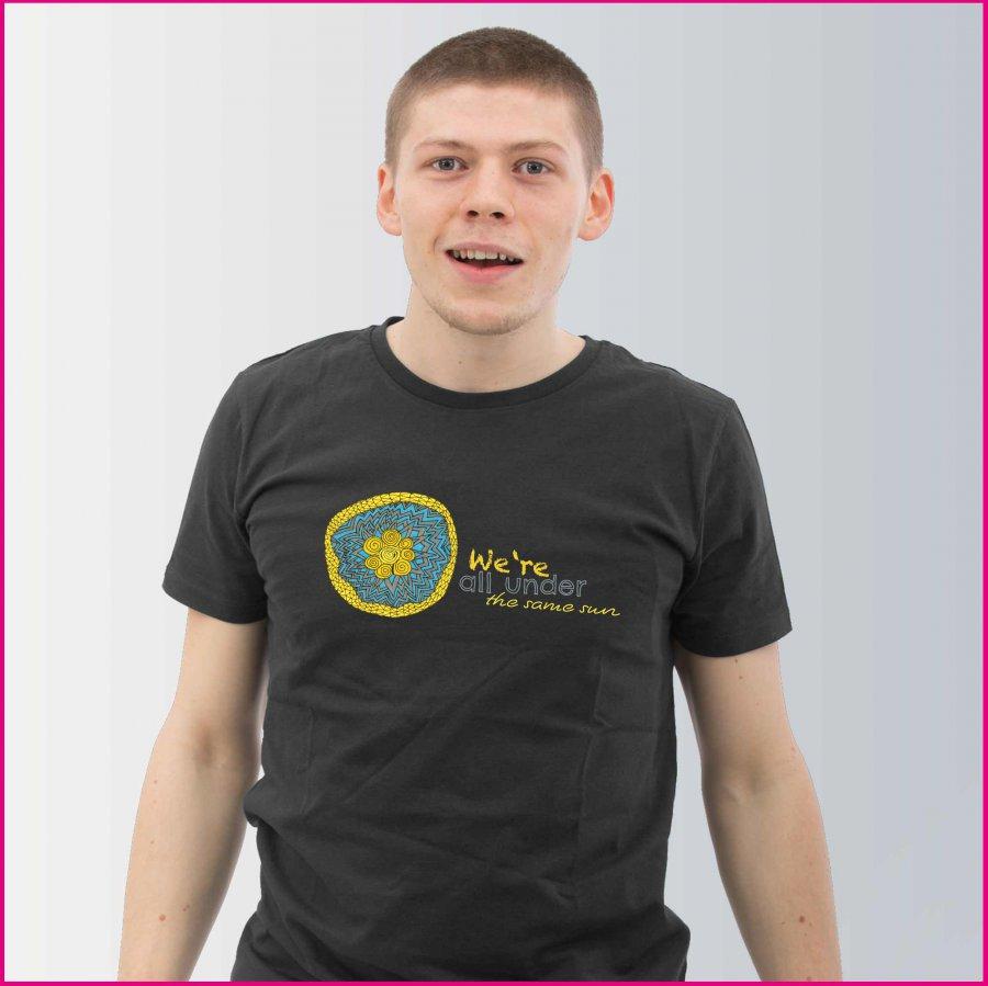 Produktfoto Herren T-Shirt mit dem Motiv Under the sun von Patricia Hütter